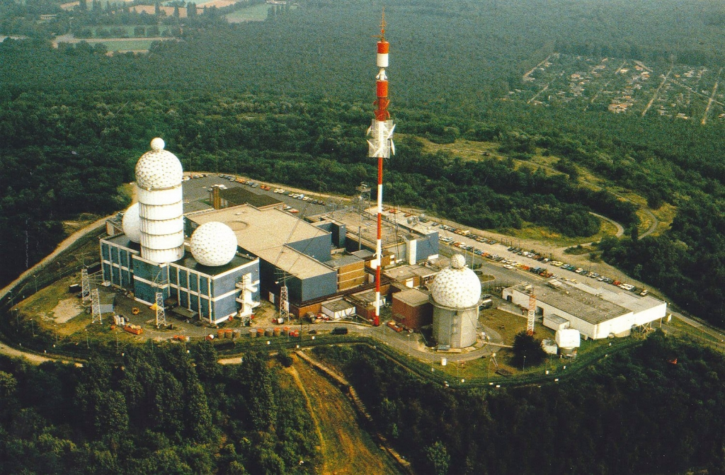 AB+Teufelsberg+Field+Station+Berlin+Abandoned+Spy+NSA+Station-1